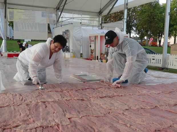واحتاج التحضير له 400 كيلو من اللحم المفروم