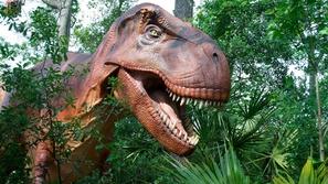 الشرطة الإسبانية تفرض حظر التجوال على الديناصورات!