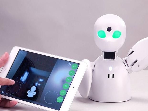 طلاب من الروبوتات في مدرسة باليابان: ماذا يفعلون؟