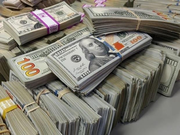 الأموال تبدو حقيقية جدا