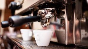 فيديو: أغرب 10 طرق لتحضير القهوة حول العالم.. هل جربت قهوة البيض؟