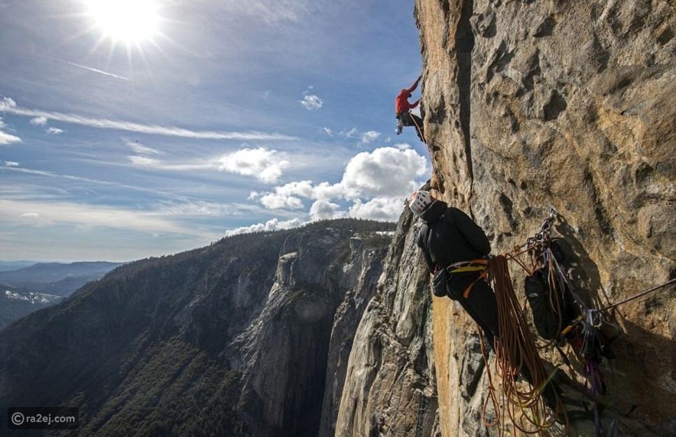 فيديو وصور : أول مغامر يتسلق الجبال بدون حبال.. تعرفوا عليه