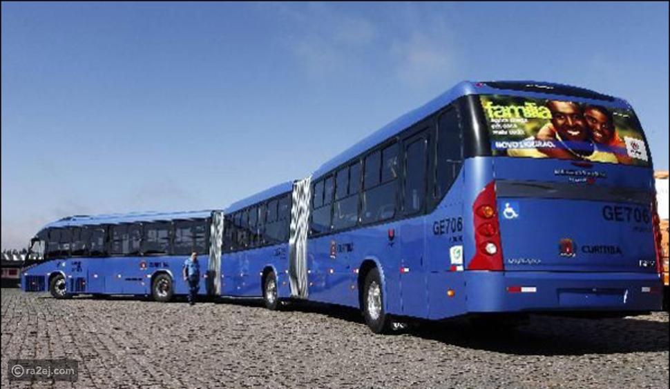 حافلة في البرازيل تنشطر نصفين