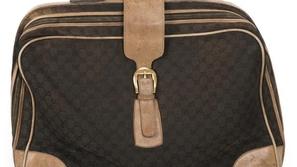 كيف تفتح حقيبة السفر إذا فقدت المفاتيح؟ فيديو يعلمك الطريقة السهلة!