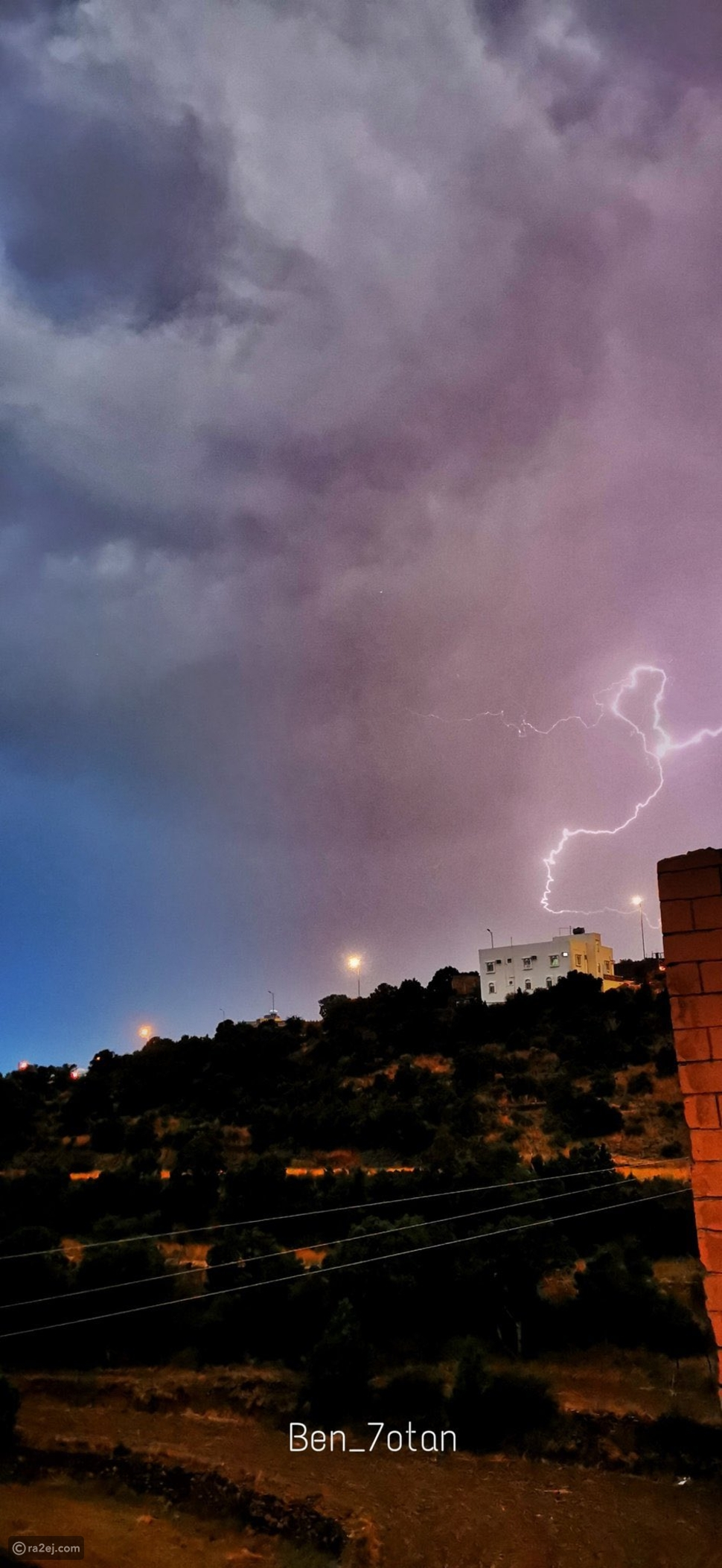 الرعد يغطي سماء السعودية من تصوير شغف آل ويمن