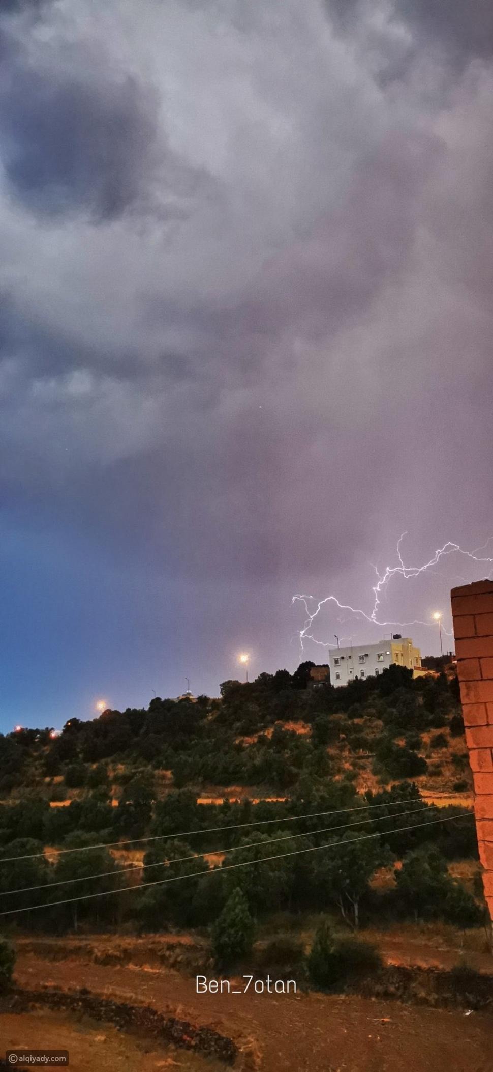الرعد من تصوير شغف آل ويمن