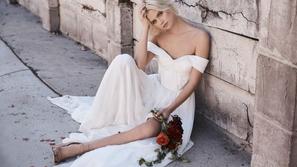 فيديو: عروس الكويت.. فتاة تتسوق بفستان الزفاف وتسبب جدل واسع